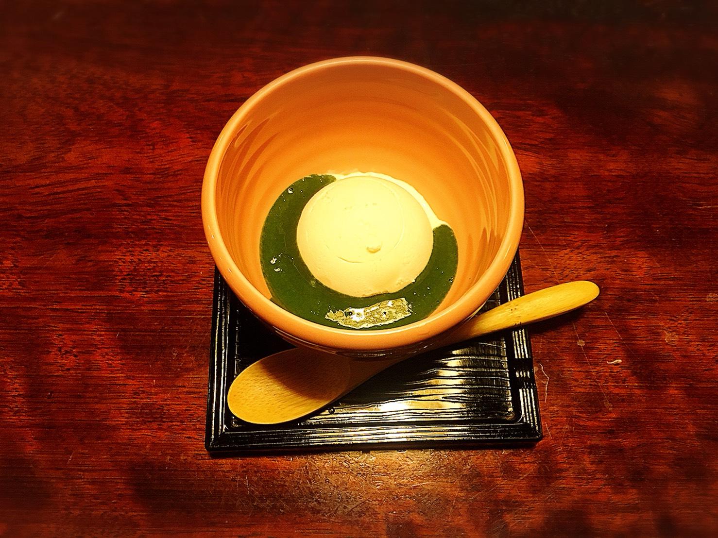 【新宿駅】贅の極み!蟹ざんまいで蟹に溺れる贅沢体験!豪華絢爛な「かに道楽」のかにしゃぶ会席冬景色の抹茶掛けアイス
