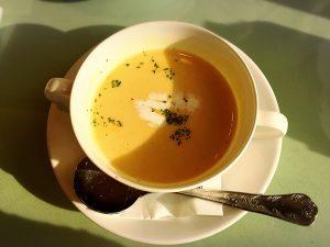 池袋の名店「タカセ 池袋本店」のAセットのスープ