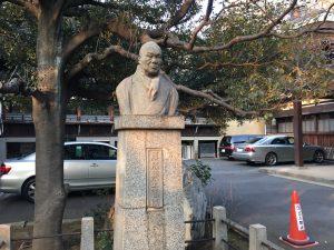 猫地帯の法明寺(ほうみょうじ)の石像