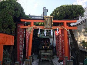 西武池袋本店の空中庭園の伏見稲荷神社