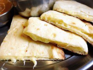 【大塚駅】インドカレー人気店「リトルムンバイ」インスタでお得のチーズナン
