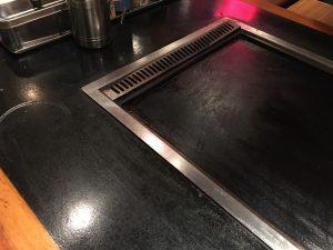 【池袋駅】お好み焼きをNa味(なみ)に食べに行こう!のテーブル