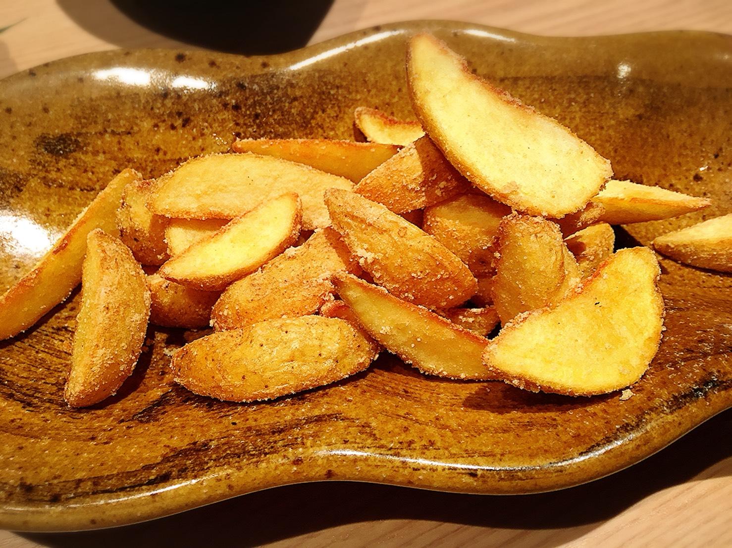 【池袋駅】大宴会もできる!九州料理の「福栄組合 池袋店」のほくほくフライドポテト