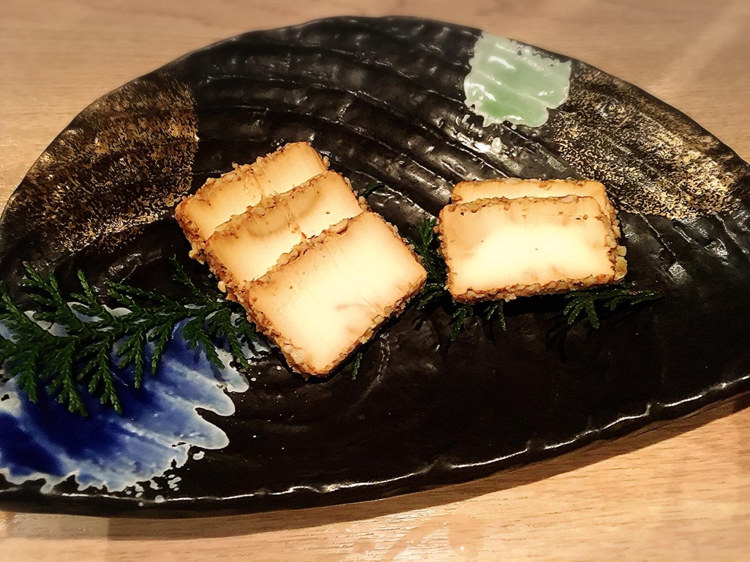 【池袋駅】落ち着いた少人数個室が使いやすい!九州料理もクオリティ高めの「TORI魚 池袋本店」の熟成クリームチーズの味噌漬け