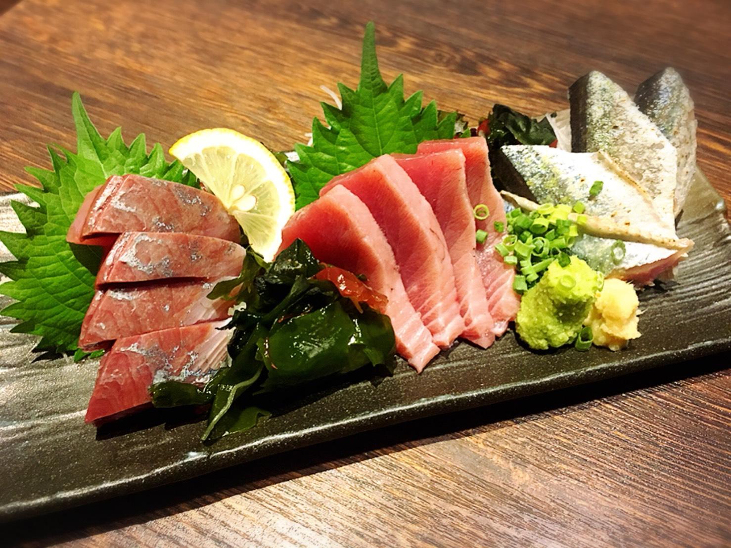 【池袋駅】いくらこぼれ丼を求めて「北海道知床漁場」の刺身お任せ盛り合わせ