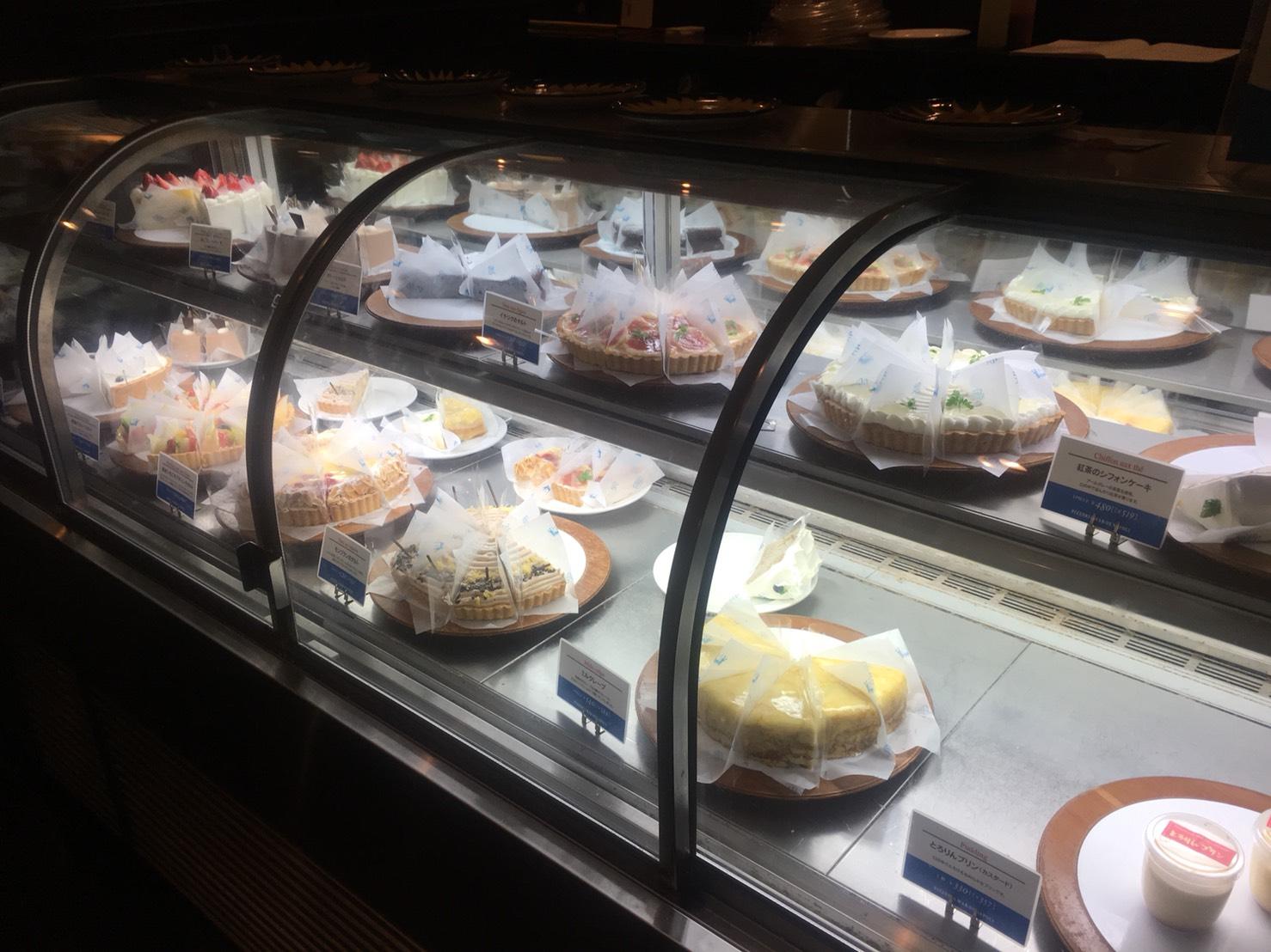 【後楽園駅】本格薪窯ナポリピザとパスタ「マルデナポリ ラクーア店」のスイーツショウケース