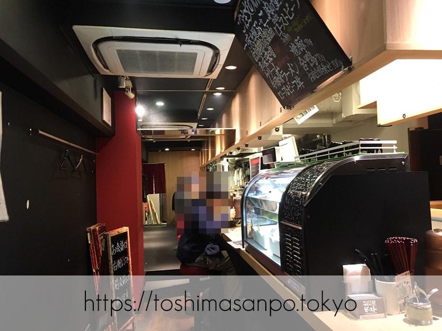 【池袋駅】肉がメイン!新感覚のローストビーフ油そば「ビースト 東池袋店」の店内1